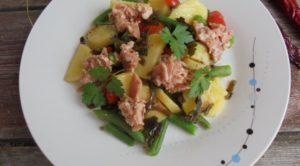 Рыбный салат с булгуром и лимонной заправкой
