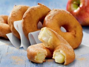 Яблочные колечки с корицей