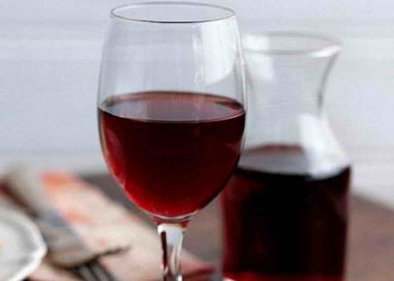 Как приготовить домашнее вино из красного или белого винограда