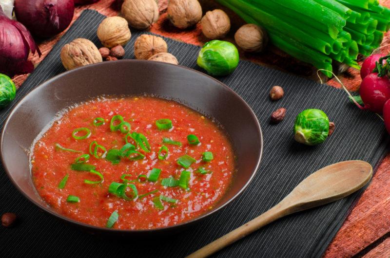 Зимний соус из томатов со вкусом базилика