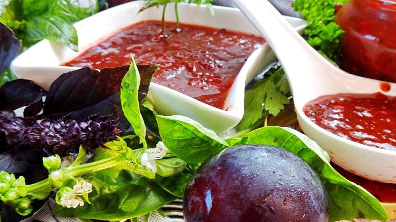 Ароматная аджика из слив — рецепты приготовления домашнего соуса