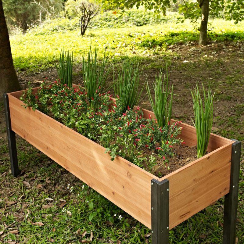 Практичным огородникам на заметку. Переносные грядки из подручных материалов