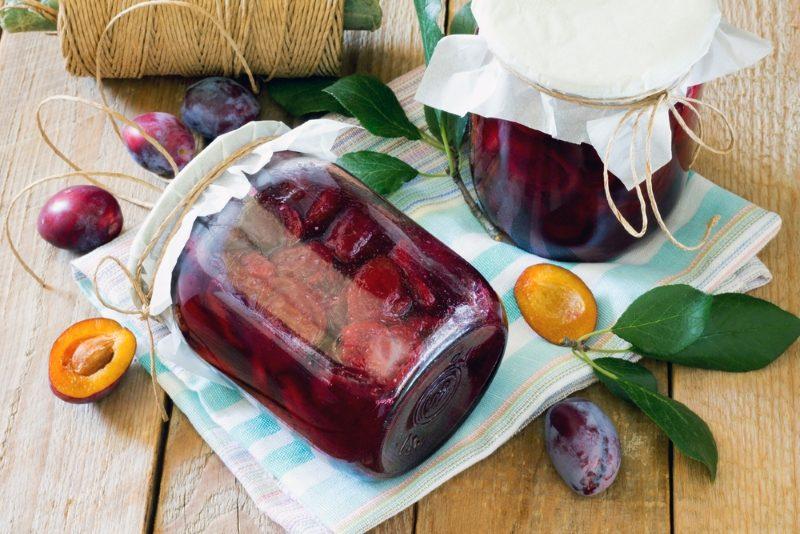 Маринованные сливы — аппетитное блюдо на зиму для всей семьи