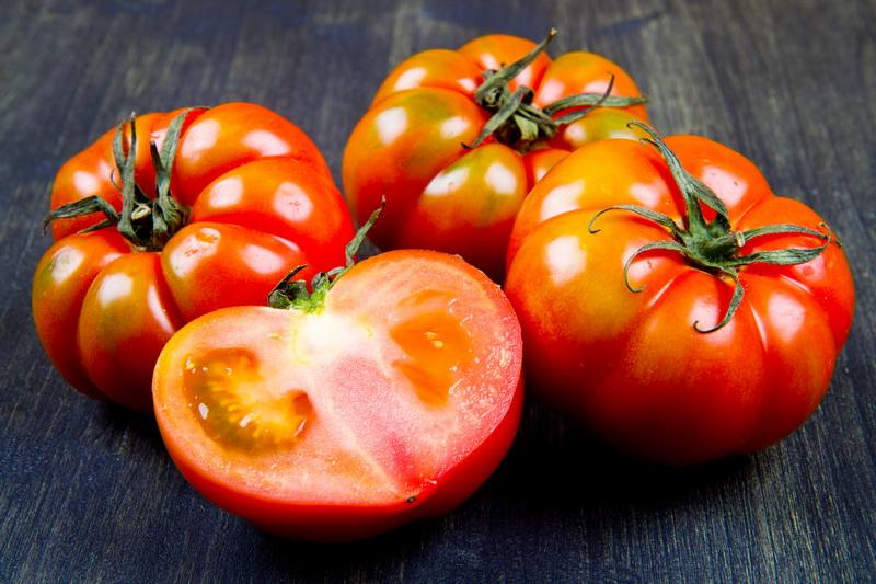 Лучшие лайфхаки, чтобы сохранить помидоры свежими максимально долго